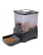 Tolvas y comederos automáticos para gatos de diferentes formas y tamaño
